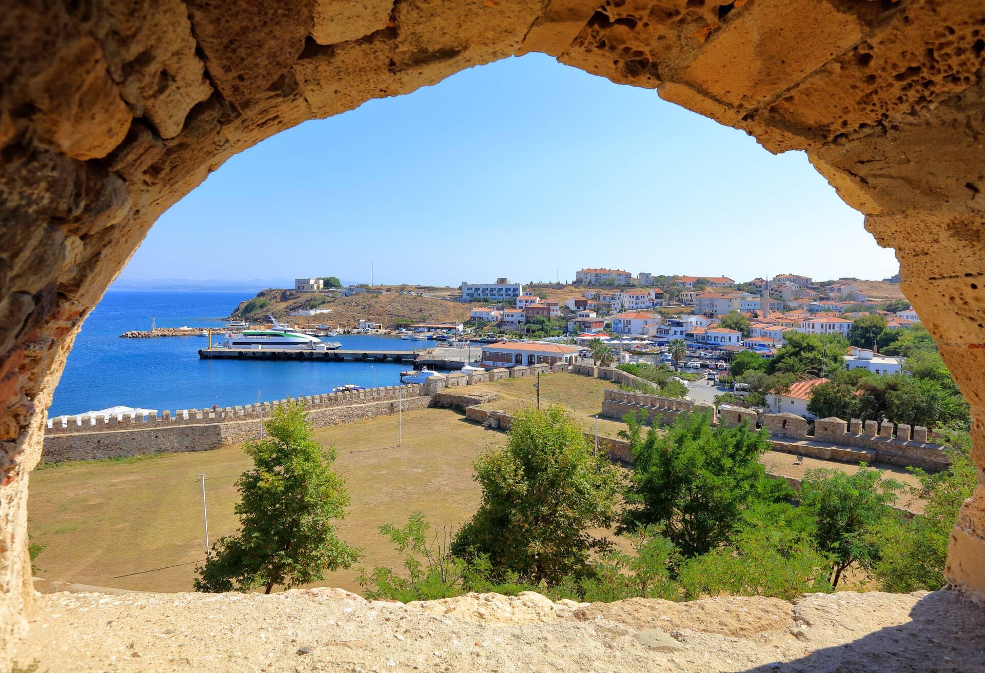 Utsikt från slottet Tenedo på Bozcaada, Turkiet.
